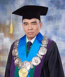 Prof. Dr. rer. nat. Asrial, M.Si
